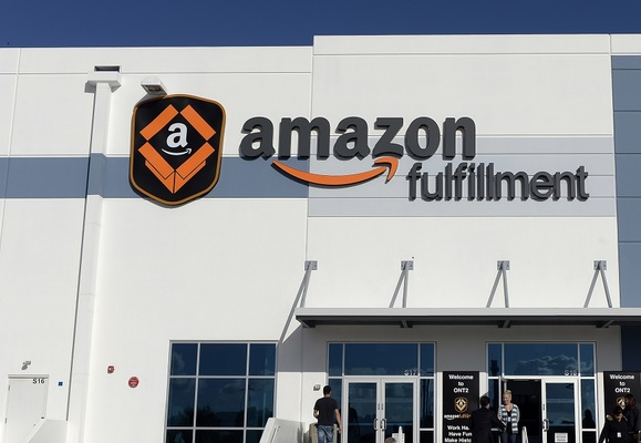 http://www.retailgazette.co.uk/blog/2016/03/amazon-adds-1000-new-jobs-to-its-workforce